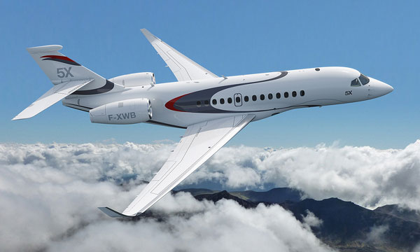 Dassault Aviation d�voile le Falcon 5X, le plus gros jet d'affaires de sa gamme