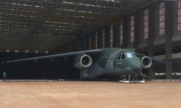 Vídeo: Revelado o EMBRAER  KC 390