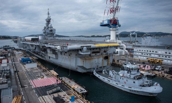 Début de chantier pour le porte-avions Charles de Gaulle