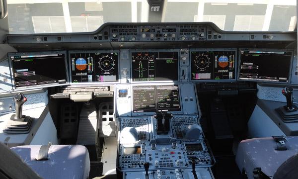 TG_A350_02.jpg