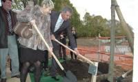 L'Estaca plante le premier arbre de son futur campus dans les Yvelines