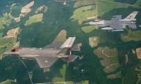 Deux F-35 néerlandais traversent l'Atlantique