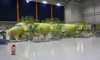 Le premier MRJ70 en assemblage final