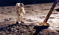 Une galaxie d'objets et d'ouvrages pour plonger au coeur des missions Apollo