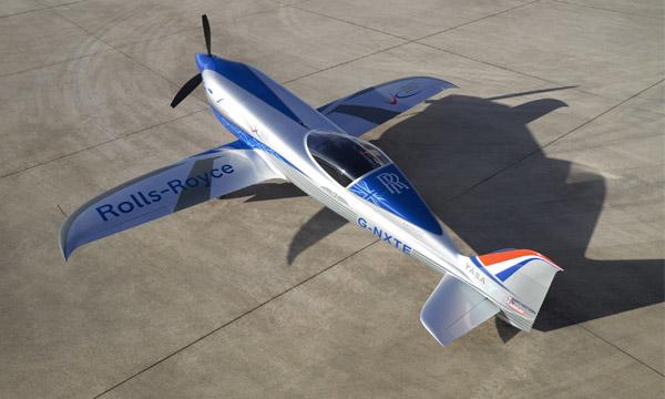 Rolls-Royce fait rouler son avion électrique