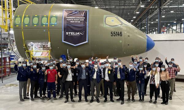STELIA Aerospace a livré une  1ère pointe avant d'A220 depuis son nouveau site de Mirabel