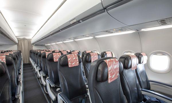 Air France remet en service son premier A320 modernisé avec les coffres ECOS de Safran Cabin