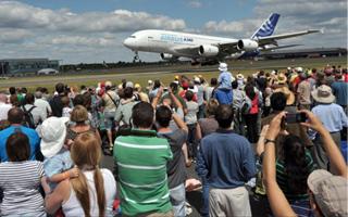 Airbus veut s duire les ing nieurs sur le salon a ronautique de farnborough - Salon recrutement ingenieur ...