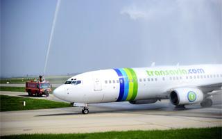 Transavia base un Boeing 737-800 à Lyon