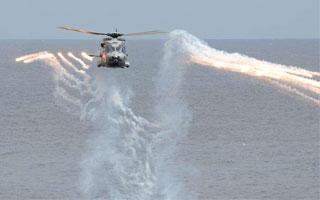 Le Caïman marine tire ses premiers leurres infrarouges