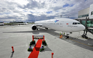 Photo : Garuda Indonesia reçoit son 1er Boeing 777-300ER