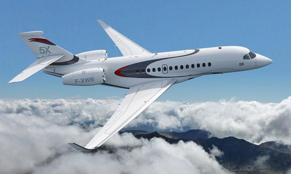 Dassault Aviation dévoile le Falcon 5X, le plus gros jet d'affaires de sa gamme