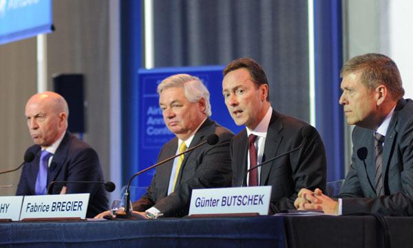 Airbus : Nouveaux records de commandes et de livraisons en 2013