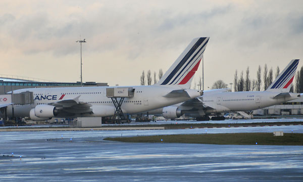 La grève des pilotes menace le transport aérien français selon Air France et la Fnam