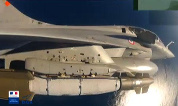 Le Rafale M bientôt capable d'emporter de nouveaux corps de bombe