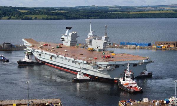Photo : Mise à flot du HMS Queen Elizabeth