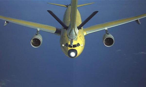 Jean-Yves Le Drian officialise les A330 MRTT Phénix