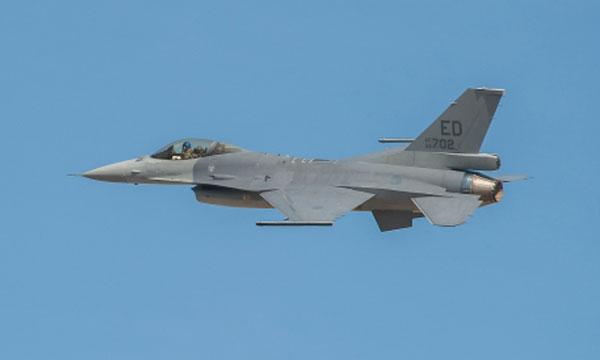 Le F-16V prend son envol
