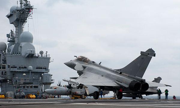 L'action du porte-avions Charles de Gaulle depuis son déploiement