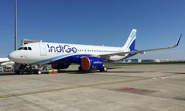 Photo : Avolon livre son premier A320neo à Indigo