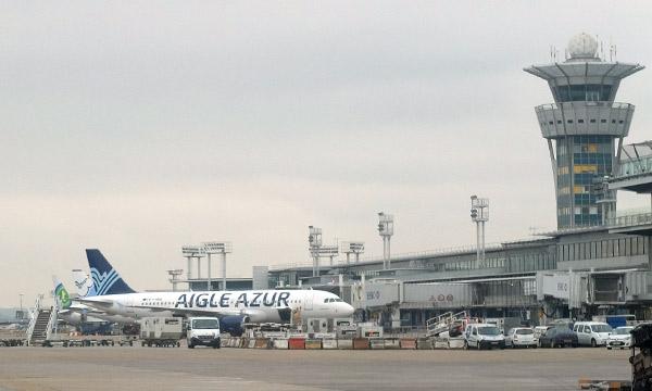 La distribution des créneaux d'Aigle Azur à Orly profite à Air France, Air Caraïbes et Corsair