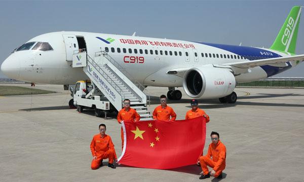 La COMAC fait voler son C919, première tentative chinoise de rupture du duopole Airbus-Boeing