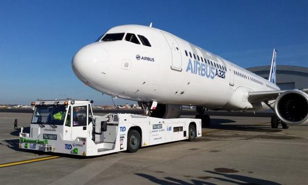 Le TaxiBot est certifié pour le tractage des A320