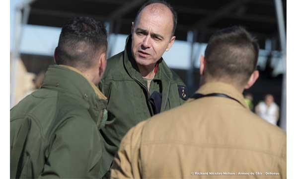 Pour l'armée de l'air, « le défi principal, c'est d'arriver à durer »