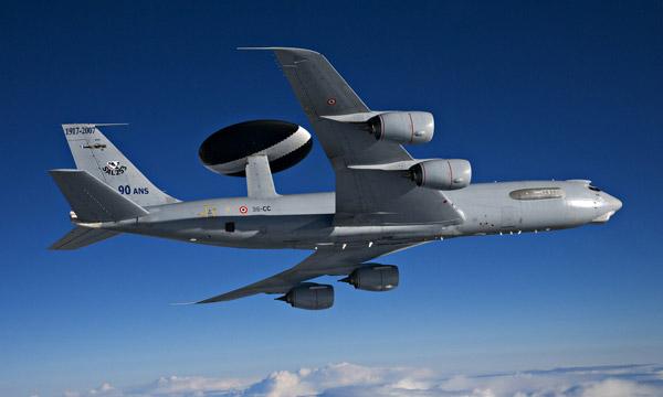 Les cockpits des AWACS font peau neuve
