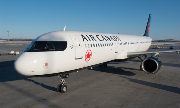 Air Canada va licencier plus de la moitié de ses effectifs