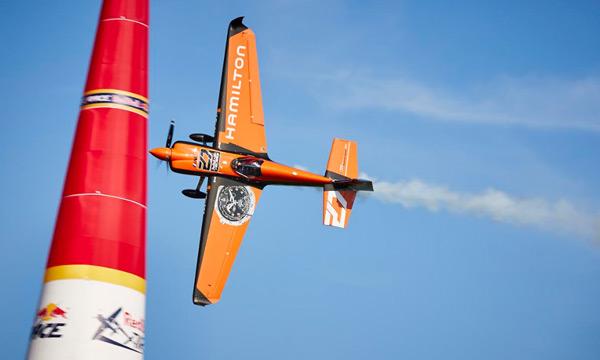 Cannes déroule le tapis rouge à la première Red Bull Air Race en France