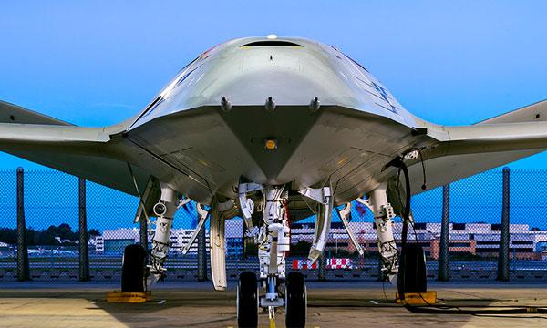 Boeing dévoile son futur drone de ravitaillement en vol