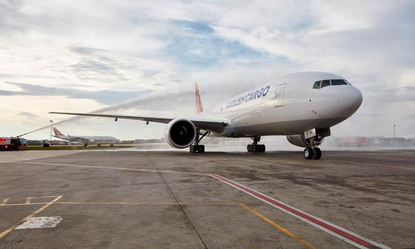 Turkish Airlines bâtit sa flotte cargo