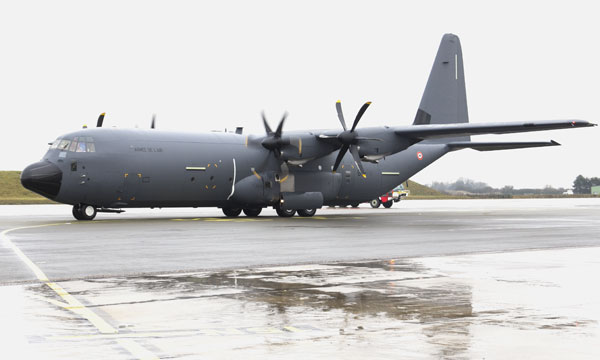 Le C-130J déploie ses ailes