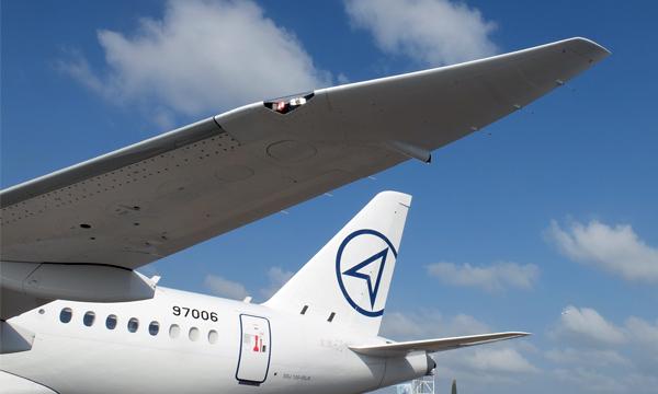 Singapore Airshow 2018 : Le Superjet montre ses nouveaux sabres