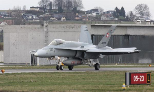 Quel avion pour les forces aériennes suisses ?