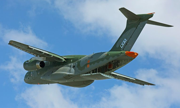 Embraer repousse la mise en service du KC-390