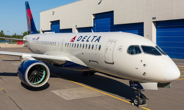 Le premier A220-100 de Delta Air Lines fait son roll out