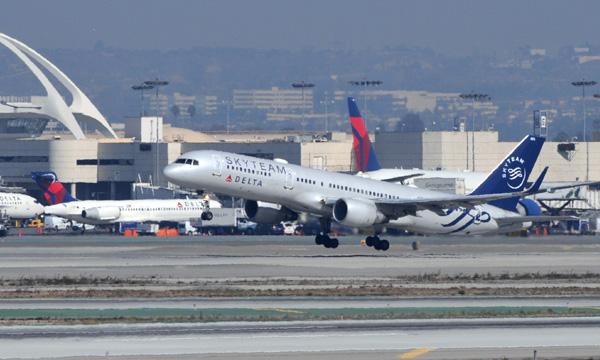 Les bénéfices de Delta Air Lines dopés par la hausse de ses prix