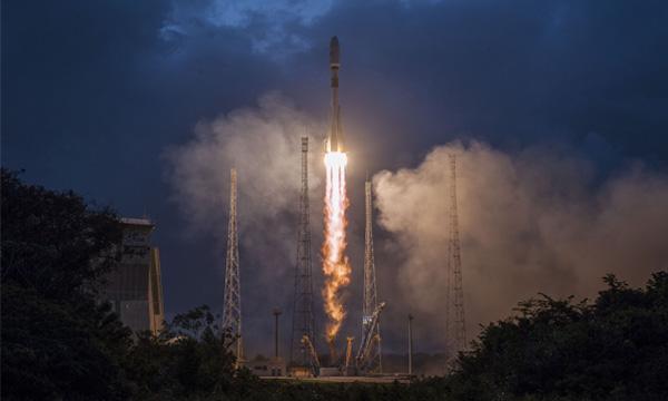 Les premiers satellites de OneWeb sont en orbite