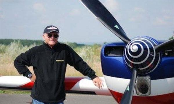 Portrait Patrick Paris, de champion du monde de voltige à entraîneur de l'Équipe de France de voltige aérienne