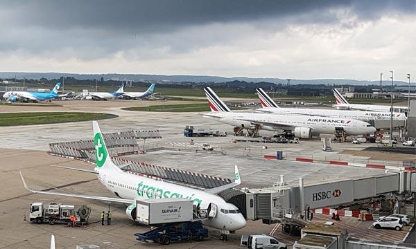 Le gouvernement plombe le transport aérien d'une nouvelle taxe au départ de l'Hexagone