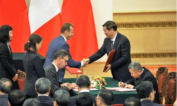 Des annonces mais peu de contrats pour l'aéronautique française en Chine