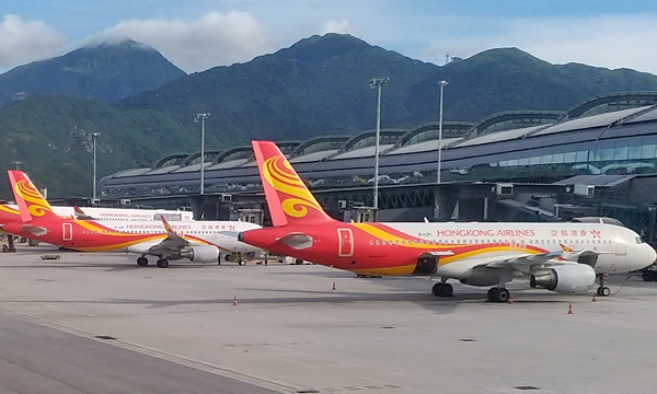 Troubled Hong Kong Airlines allowed to keep operating
