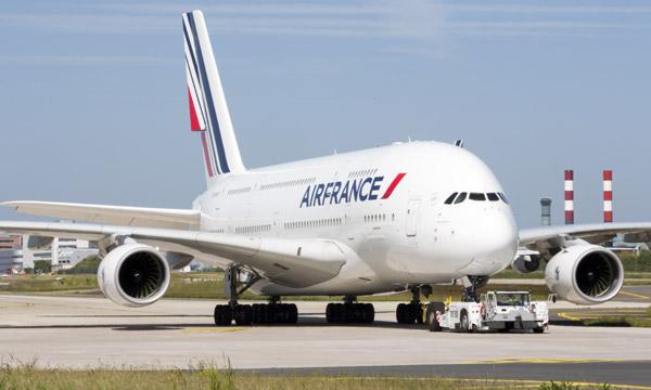 Air France réduit ses capacités de 70% et cloue ses A380 au sol