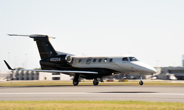 Triple certification pour les nouvelles améliorations du Phenom 300E d'Embraer
