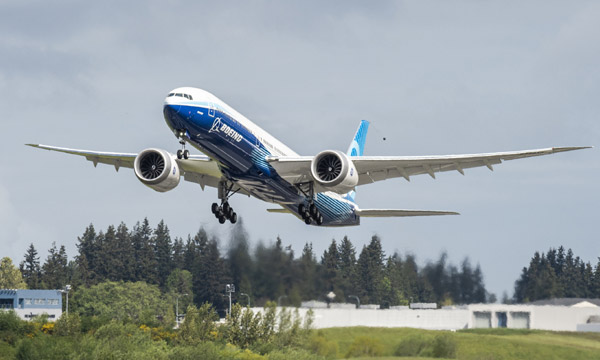Boeing célèbre le vol inaugural du deuxième 777X