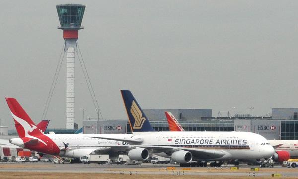 Effondrement du trafic à l'aéroport d'Heathrow qui s'inquiète de la quarantaine