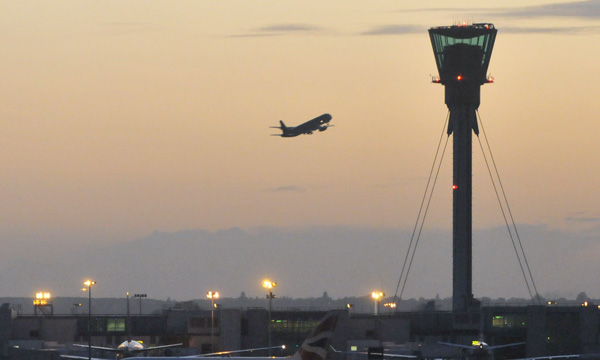Heathrow calls for UK airport virus tests after £1-bn loss
