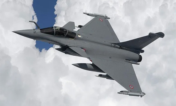 Le gouvernement pourrait revoir le calendrier de sa commande de 30 Rafale avec Dassault
